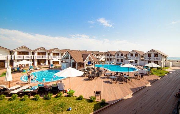 Клуб-отель Белый пляж
